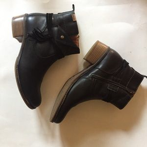 Pikolinos Black Leather Zip Booties Size 42